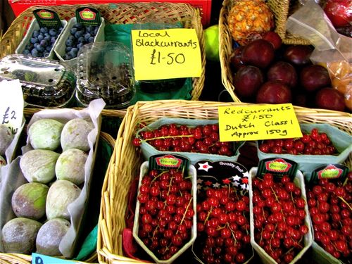 food market, fresh fruit, berries, England, baskets, store, Cotswolds