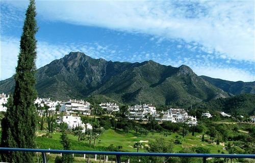 Gorgeous Costa del Sol mountains family travel tips, golf