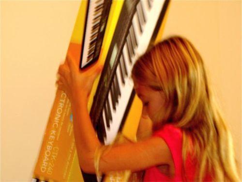 piano keyhoard gift