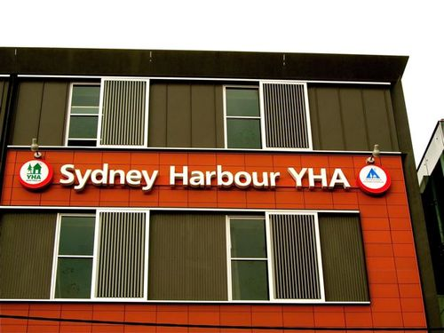 sydney Harbor YHA and review