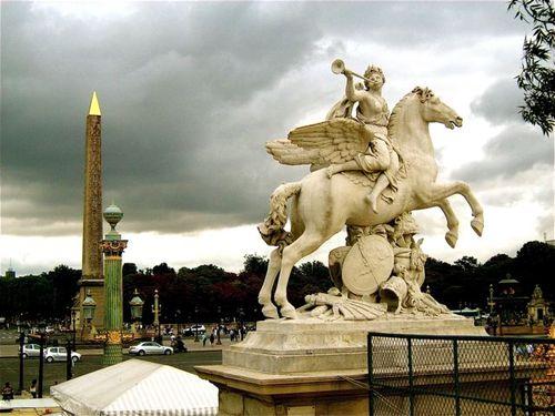 dramatic paris photo