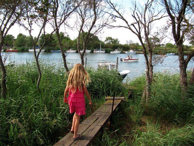 FRANCE FAMILY TRIP - KID EXPLORING PROVENCE