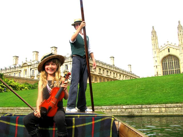 Family travel fun in Cambridge on a punt