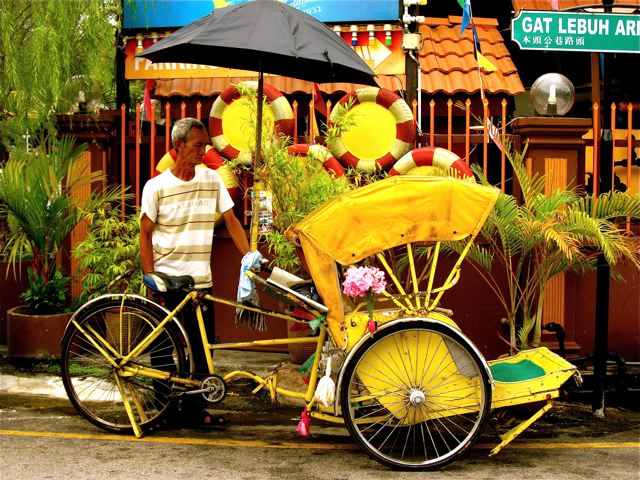 beautiful rickshaw photo shows living art