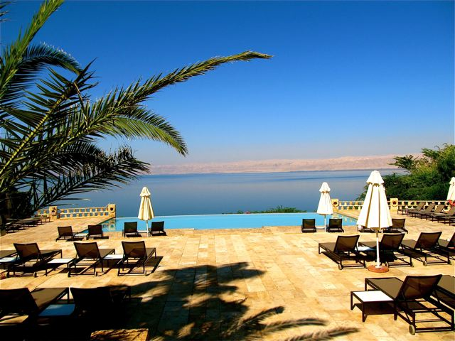 Beautiful infinity pool with Dead Sea Views in Jordan