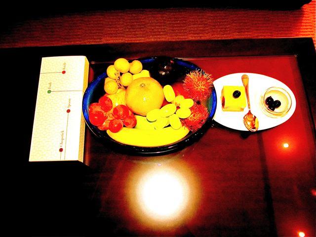 Four Seasons Hotel Beijing - yummy treats