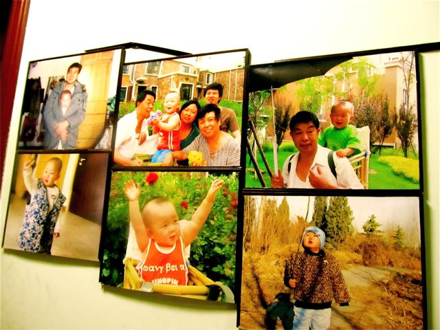 Love these happy family photos from our homestay Chinese family