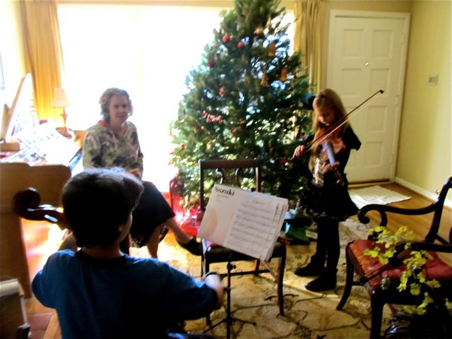 christmas duet with girls on violin and cello