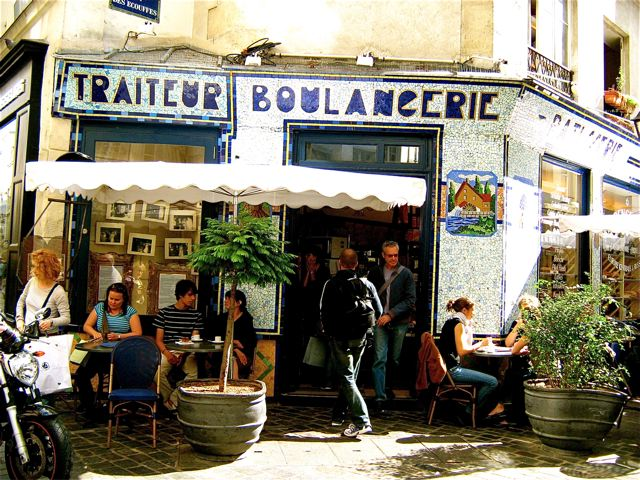 eating in Paris at charming traiteur and  boulangerie