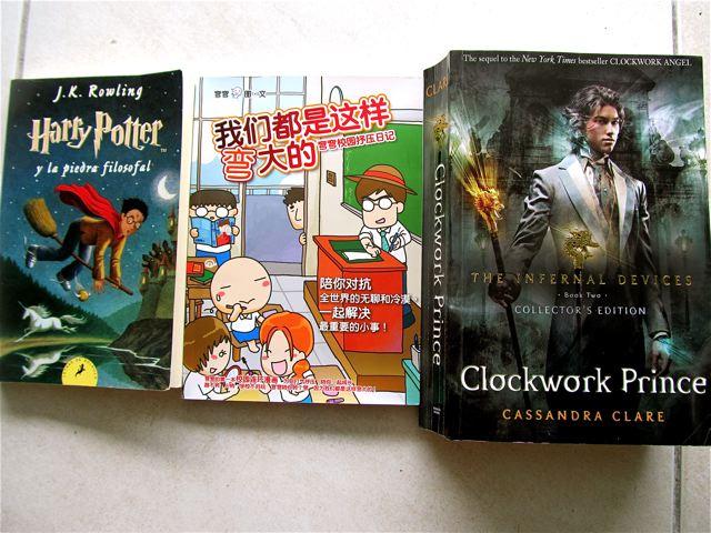 Multilingual kid reading in  3 languages