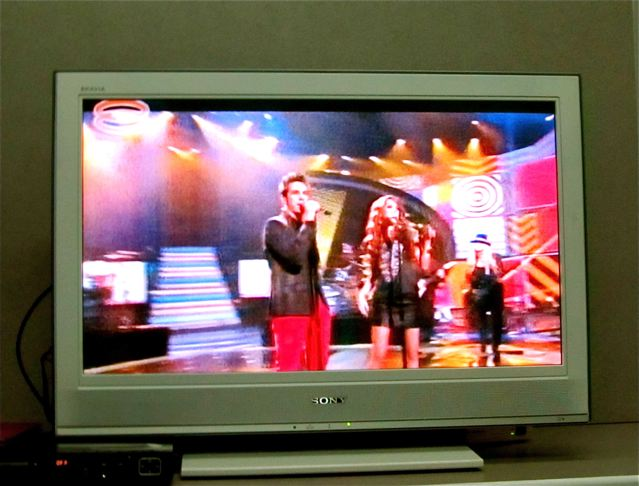American Idol Lazaro Arbos singing with Angie Miller