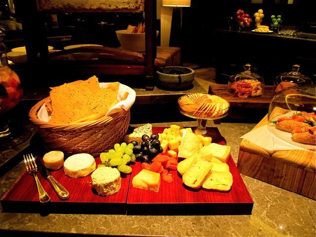 Four Season's Hotel Beijing - Yum cheese platter