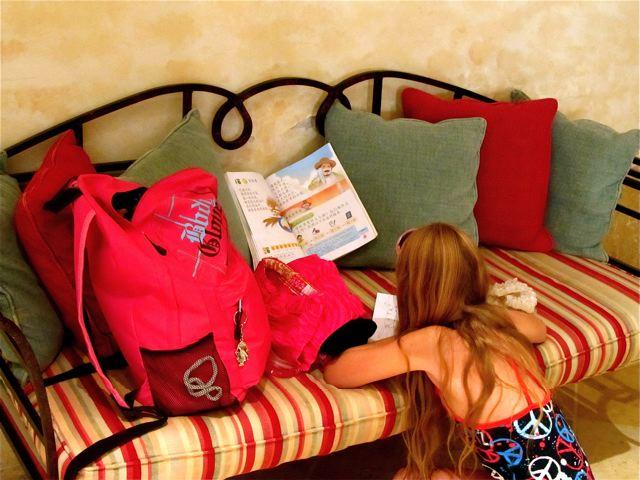growing up bilingual and trilingual - our multilingual kid writing Mandarin in Jordan
