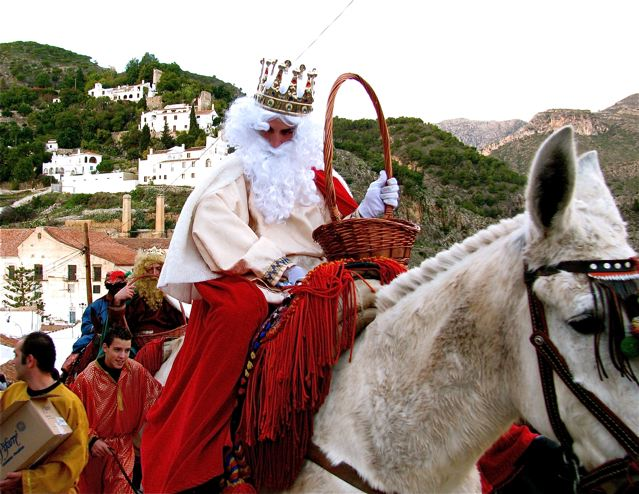 Learning Spanish in Spain means participating in festivals like 3 Kings