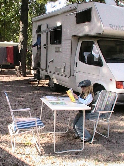 camping right in Paris with a motorhome