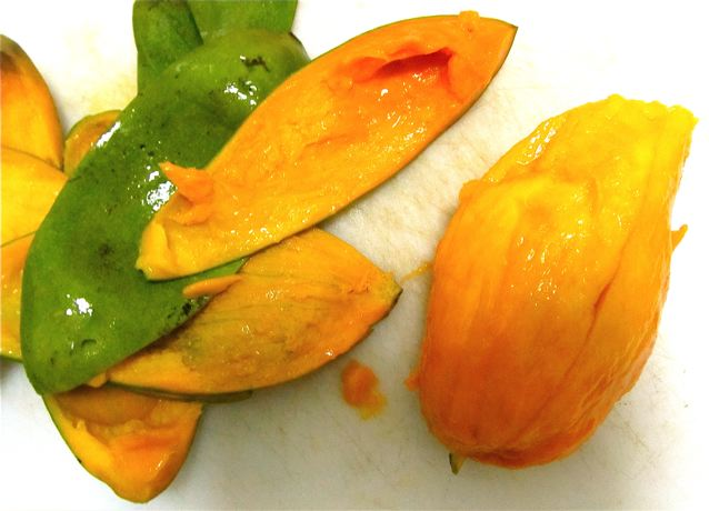 mangoes - a super food that is delicious