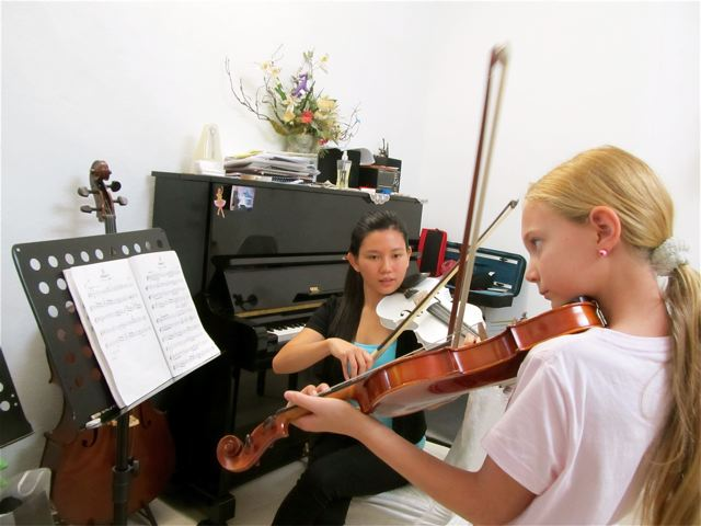 Homeshooling violin lessons at Cat Studio in Penang