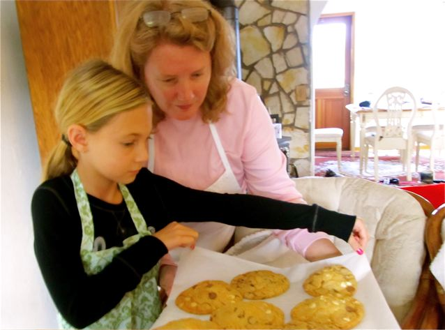 Travel with kids - means making cookies with aunties