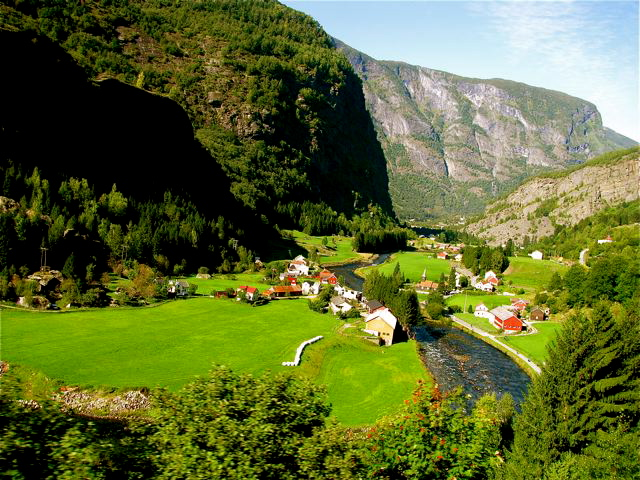 Best Places to Visit in Europe like Norway fjords