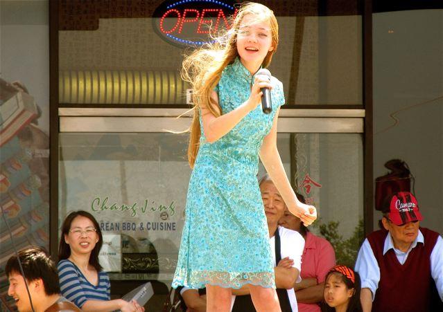 Mozart singing in Mandarin in Dallas China town