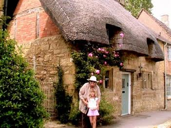 Celebrating Mothers! Mum and child in the Cottswolds, England