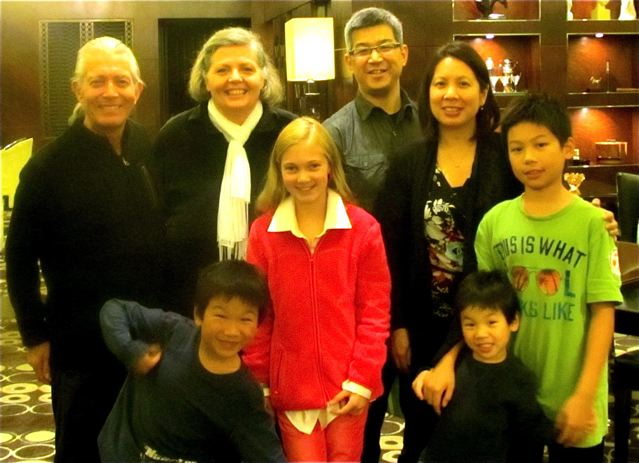 Elliott Ng and family with Soultravelers3 in China
