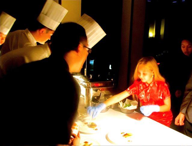 MasterChef China 顶级厨师 Steven Liu with travel kid Mozart