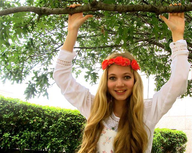 Beautfiul teen singer Mozart loves nature