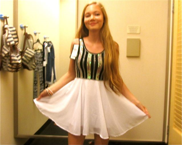 0be03ae5181 Teen beauty guru Mozart loving this shopping haul and dress. Even just trying  on ...