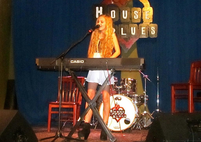 Mozart Sings at the House of Blues!