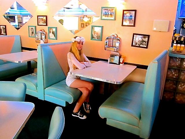 Mozart Dee at Graceland - Glady's Diner