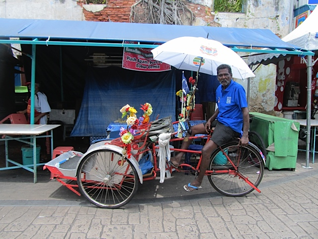 Fabulous Colorful Rickshaw Art Photo - Indian on a bike in Asia