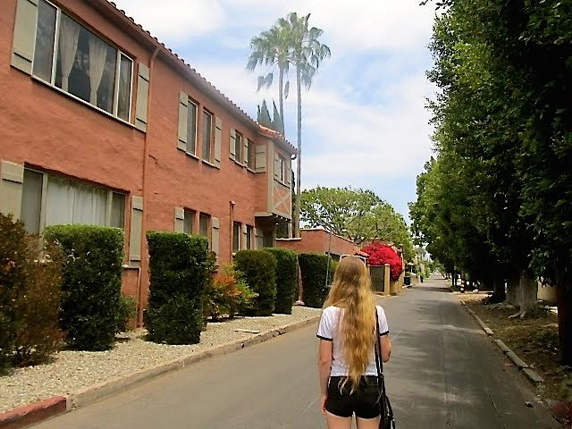LA without a car - walking in WeHo