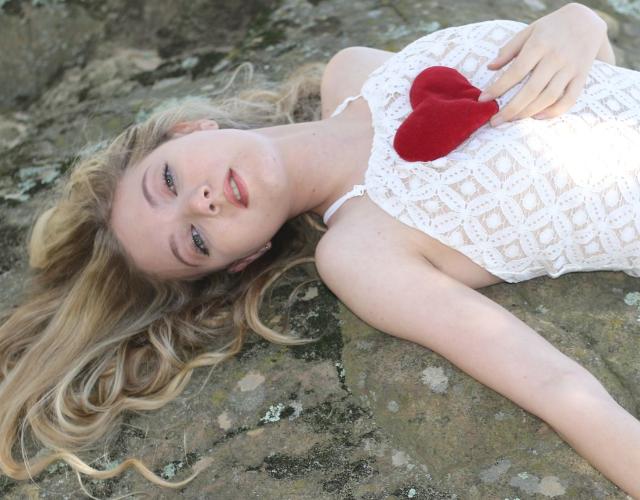 "Trilingual Pop Princess Mozart sings ""Dear Heart"" Official Music Video"