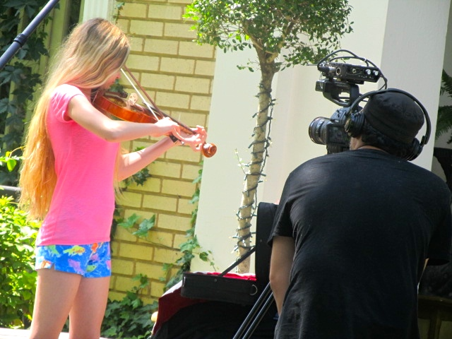 """Mozart and director Israel Marquez filming the movie """"Rose"""". Mozart Dee Won Best Actress Award for the Film """"Rose""""!!"""