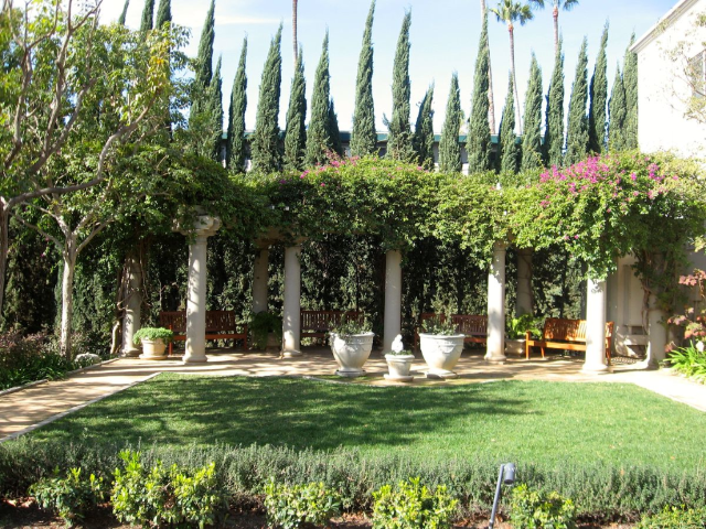 Peace Awareness Labyrinth & Gardens - beautiful Los Angeles mansion