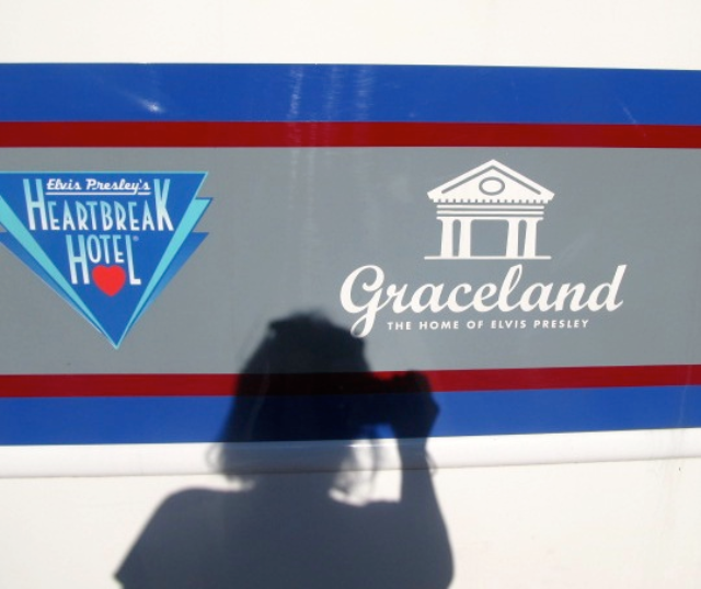 Going to Graceland - Mini Memphis Tour on a Budget