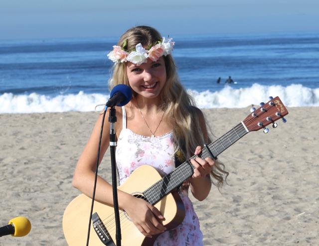 Mozart Dee singing at the beach in Santa Monica