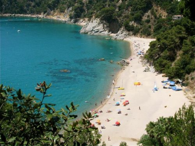 Best of Europe: Summer Trip like this best beach in costa brava