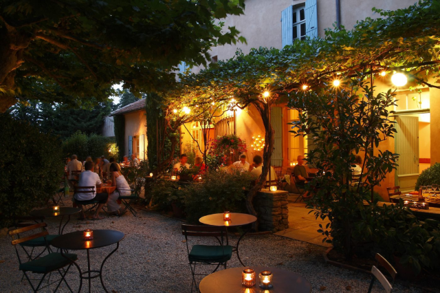 Le Mas des Grès hotel and restaurant in Provence